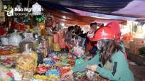Người tiêu dùng Nghệ An cần cẩn trọng khi mua bánh kẹo 'ăn' tết