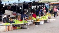 TP.Vinh: Hoa quả, vàng mã ế ẩm trong ngày lễ khai hạ