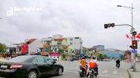 Ngã 3 Hồ Tùng Mậu và Nguyễn Văn Cừ (TP.Vinh): Vì sao đèn đỏ lại được phép đi thẳng?