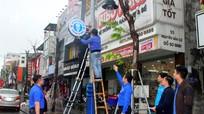 Thành phố Vinh gắn biển nhà vệ sinh công cộng trên phố đi bộ