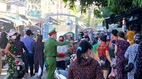 TP.Vinh xử lý tình trạng tập trung đông người trước cổng chợ đầu mối Vinh