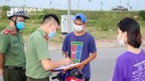 Đã có lệnh cấm, nhiều người dân TP Vinh vẫn tụ tập tại hồ điều hòa và đường ven sông Lam
