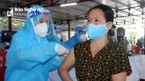 Nghệ An đề xuất tiêm vắc-xin phòng cho gần 8000 người làm việc tại các chợ trong toàn tỉnh