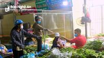 Sau mưa lũ, rau xanh Nghệ An tăng giá gấp 2-3 lần
