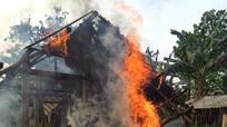 Chập điện, căn nhà cháy trơ khung ngày cận Tết