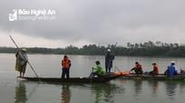 Chủ tịch huyện trực tiếp chỉ đạo tìm kiếm người đàn ông nghi tự vẫn trên sông Lam