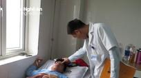 Vụ thầy giáo ở Nghệ An bị đánh gãy sống mũi: Cả 2 bên đều có lỗi