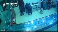 Nghệ An: Đột nhập từ tầng 4, kẻ gian vào tiệm vàng trộm tài sản lúc rạng sáng