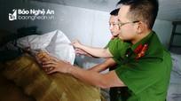 Phát hiện 5 tấn mỡ lợn, 2 tạ giò không rõ nguồn gốc ở Nghi Phú