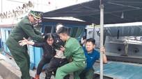 Nổ bình gas khi đang đánh cá, 6 thuyền viên Nghệ An bị thương nặng