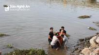 Nghệ An: Xuyên đêm tìm cô gái rơi xuống sông Mai Giang