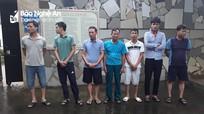 7 con bạc đánh liêng giữa trưa trong xưởng đá ở Nghệ An