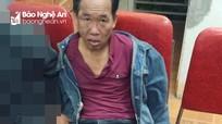 Con nghiện chĩa súng vào cảnh sát khi bị vây bắt ở Nghệ An