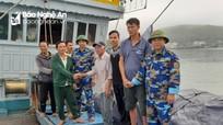 14 ngư dân Nghệ An trên tàu cá gặp nạn vào bờ an toàn