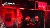 3 người thoát nạn trong đám cháy nhà dân lúc rạng sáng
