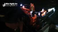 Nghệ An: Cấp cứu kịp thời ngư dân bị thương nặng trên biển
