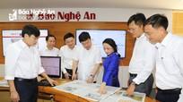 Chủ tịch UBND tỉnh Nguyễn Đức Trung thăm, chúc mừng Báo Nghệ An và Đài PT-TH tỉnh