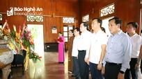 Chủ tịch Ủy ban TƯ MTTQ Việt Nam tưởng niệm Chủ tịch Hồ Chí Minh và các Anh hùng liệt sĩ ở Nghệ An