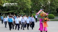 Bộ trưởng Bộ GTVT Nguyễn Văn Thể dâng hoa, dâng hương tưởng niệm Chủ tịch Hồ Chí Minh