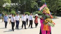 Phó Thủ tướng Thường trực Trương Hòa Bình dâng hoa, dâng hương tưởng niệm Chủ tịch Hồ Chí Minh