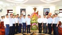 Đoàn công tác tỉnh Nghệ An chúc mừng Giáo phận Vinh nhân dịp Lễ Quan thầy  