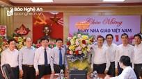 Phó Bí thư Thường trực Tỉnh ủy Nguyễn Văn Thông chúc mừng Ngày Nhà giáo Việt Nam 20/11