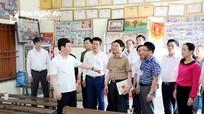 Chủ tịch UBND tỉnh Nguyễn Đức Trung kiểm tra công tác chuẩn bị bầu cử tại TX. Hoàng Mai  