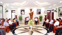 Đoàn công tác tỉnh Nghệ An làm việc với Tòa giám mục Giáo phận Vinh về công tác bầu cử