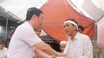 Chủ tịch UBND tỉnh Nghệ An thăm hỏi, động viên gia đình sinh viên quên mình cứu bạn