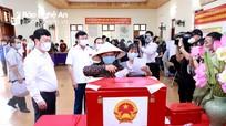 Tính đến 11h sáng 23/5, có trên 60% cử tri Nghệ An đi bỏ phiếu