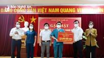 Chủ tịch UBND tỉnh gặp mặt đoàn cán bộ y, bác sĩ tăng viện từ TP. Hồ Chí Minh trở về