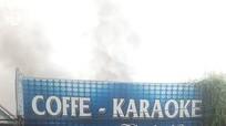 Nghệ An: Cháy quán karaoke ở phố núi, người dân hoảng hốt chuyển đồ