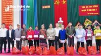Nhiều đơn vị, địa phương tặng quà Tết người nghèo Xuân Canh Tý