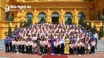 Phó Chủ tịch nước Đặng Thị Ngọc Thịnh gặp gỡ đoàn đại biểu Cháu ngoan Bác Hồ tỉnh Nghệ An