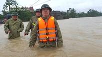 Chủ tịch UBND tỉnh Nguyễn Đức Trung kiểm tra tình hình lũ lụt tại Đô Lương