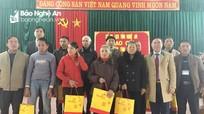 Sở Du lịch tặng quà Tết cho người nghèo Nam Đàn và Anh Sơn