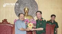 Bộ trưởng Bộ Năng lượng và Mỏ Lào thăm, làm việc tại Quân khu 4
