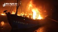 Lời kể của ngư dân hé lộ nguyên nhân 4 tàu cá bị cháy ở Nghệ An