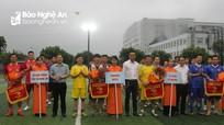 Hơn 200 triệu đồng ủng hộ giải bóng đá gây quỹ từ thiện