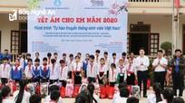 Hàng trăm món quà 'Tết ấm cho em' đến với học sinh huyện Quỳ Châu