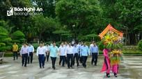 Trưởng Ban Tổ chức Trung ương dâng hoa tại các khu di tích Kim Liên và Truông Bồn