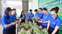 Nghệ An: 'Đổi rác lấy cây – đổi giấy lấy gạo' hỗ trợ thanh niên, công nhân có hoàn cảnh khó khăn