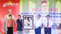 Chủ nhiệm Ủy ban Kiểm tra Tỉnh ủy chung vui Ngày hội Đại đoàn kết ở bản vùng sâu huyện Quỳ Châu