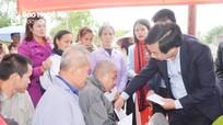 Trưởng Ban Tổ chức Tỉnh ủy chung vui Ngày hội Đại đoàn kết tại huyện Diễn Châu