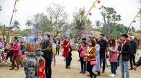 Nghệ An: Người dân đi lễ chùa cầu an đầu năm