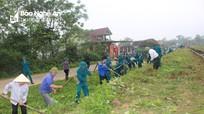 140 dân quân tự vệ giúp dân nạo vét kênh mương