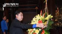 Thường trực Tỉnh đoàn Nghệ An dâng hoa, dâng hương tại Khu Di tích Kim Liên