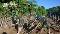 Bộ CHQS tỉnh giúp các huyện miền núi khắc phục hậu quả mưa lũ
