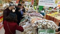 Thị trường Tết: Hàng hóa phong phú, một số thực phẩm giá tăng 10-30%