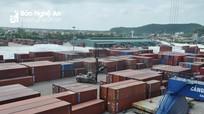 Sản lượng hàng hóa thông qua Cảng Cửa Lò giảm mạnh